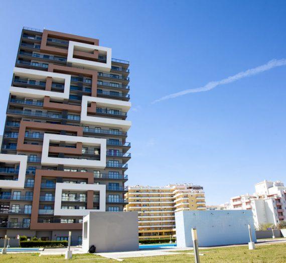Rocha Tower | As suas férias em Portimão em T1 ou T2 até Outubro!